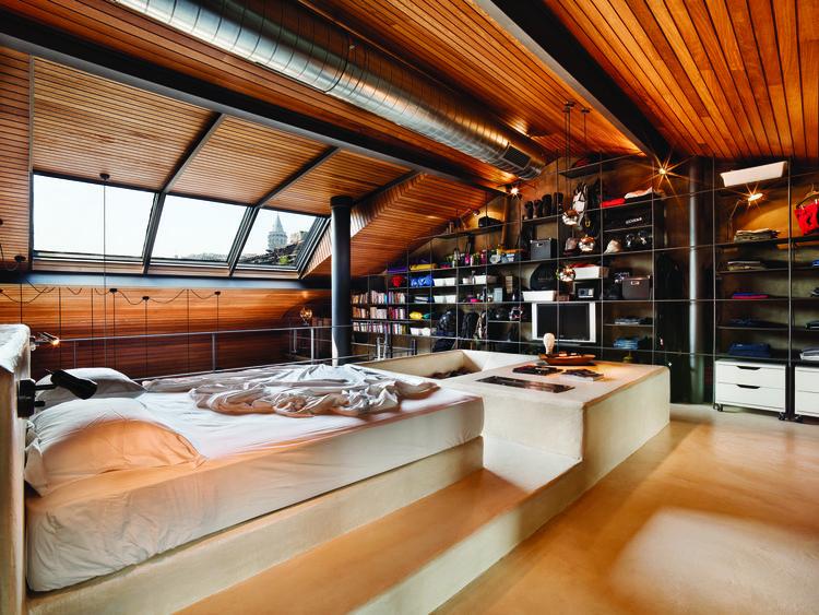 Bedroom in an Istanbul loft