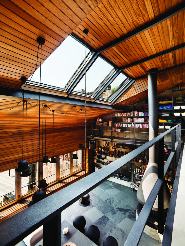 Mezzanine and skylights in an Istanbul loft