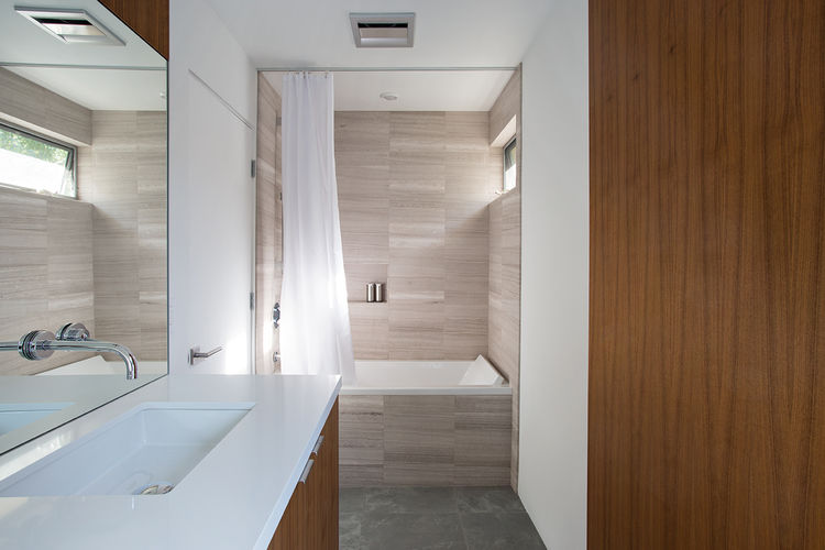 Palo Alto Eichler Renovation Bathroom