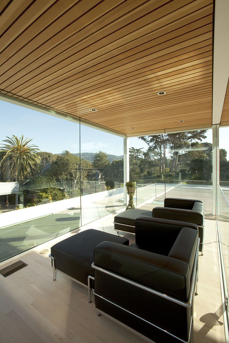 Le Corbusier furniture in Paley House by DYAR Architects and John Thodos in Carmel, California