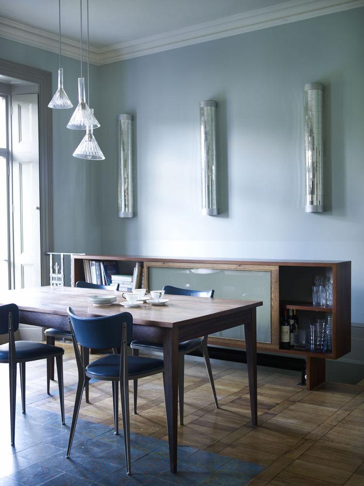 London Terrace home dining area