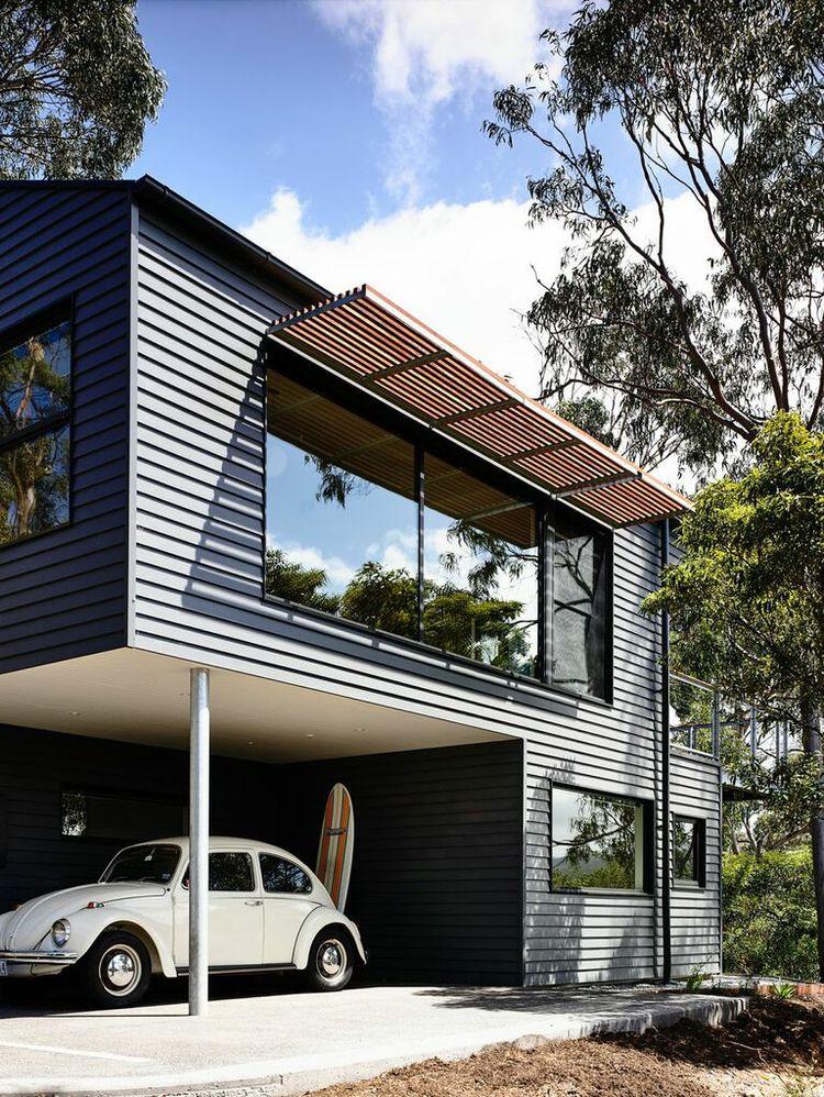 Timber batterns shade an Australian house