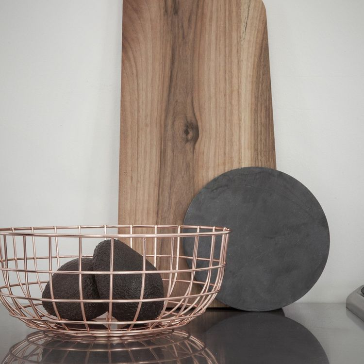 Copper-plated wire bowl for storage
