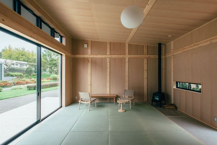 Muji Hut by Jasper Morrison, interior view.