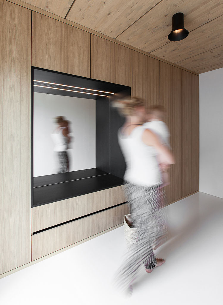 White polyurethane floors in House B in Munich