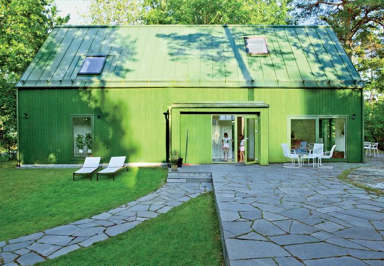 Swedish Prefab Home, Exterior
