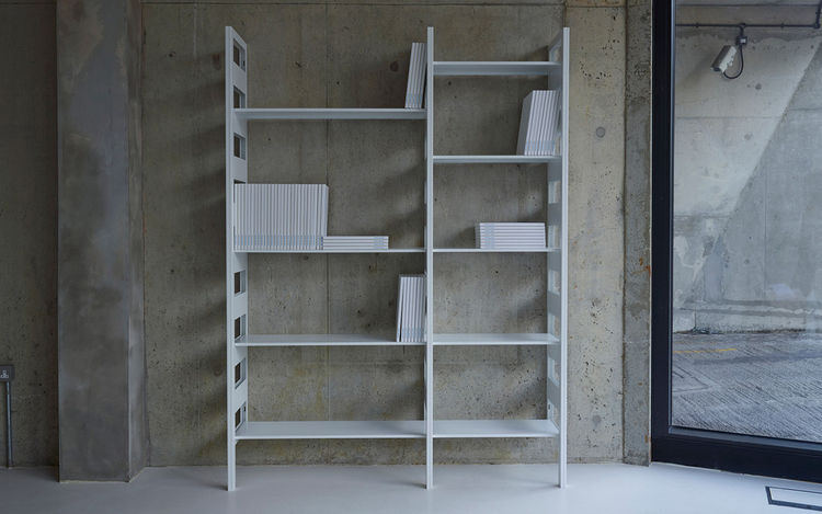 modular, wall-mounted Parallel Shelving System by Terence Woodgate for SCP