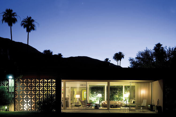 Midcentury modern house at the Sandpiper in Palm Springs