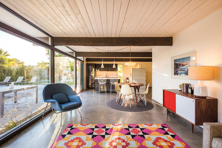 Open-plan midcentury modern interior in Palm Springs