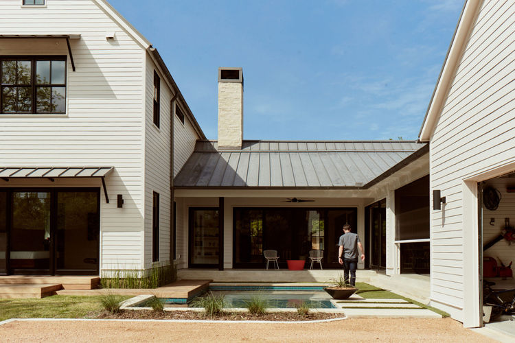 A modern farmhouse in Texas
