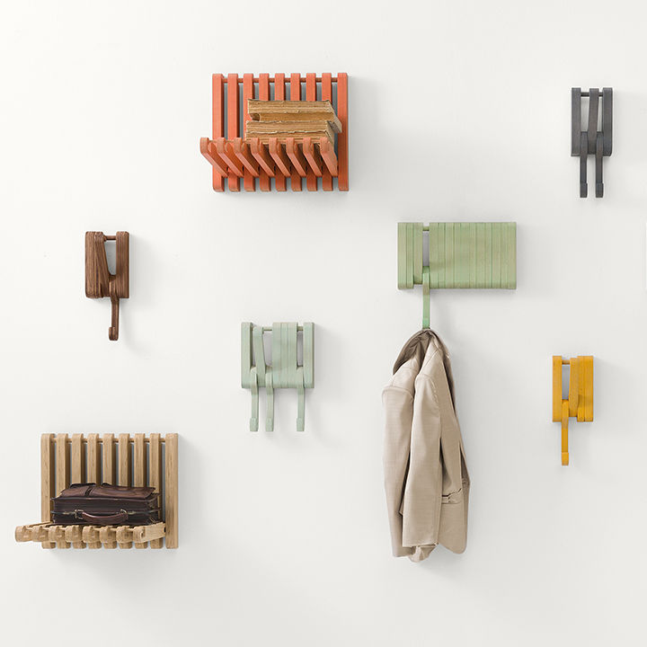 A series of of shelves and hooks for Sculptures Jeux.