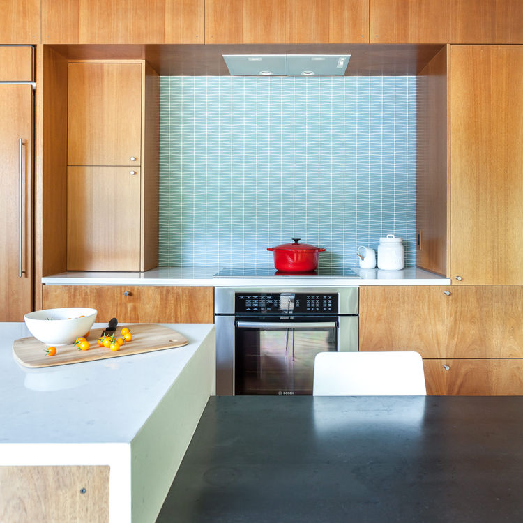 A Reno kitchen with a geometric-patterned glass tile backsplash