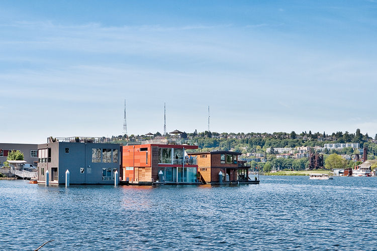 Prefab floating home in Seattle facade on Lake union