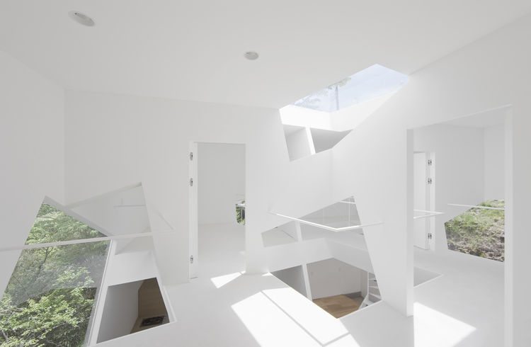 Vacation home in Mount Kano, Japan, designed by Yuusuke Karasawa