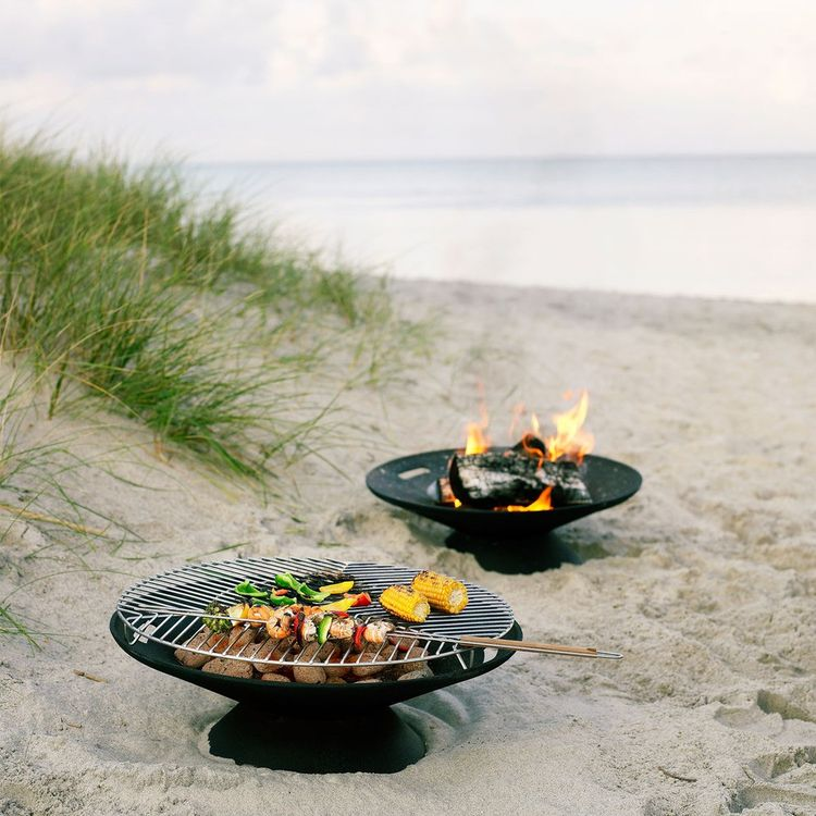 versatile fire bowl and grille in cast iron and steel