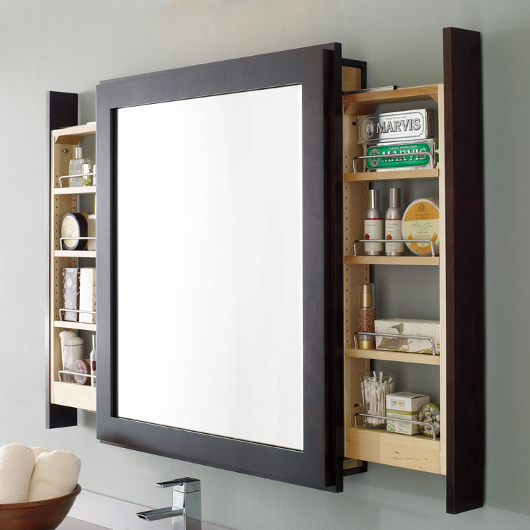 Bath mirror with pull-out by Decorá