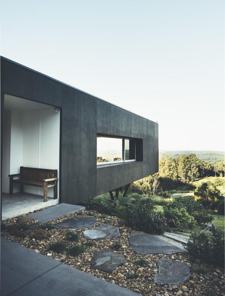 Cantilevered home on an Australian hillside