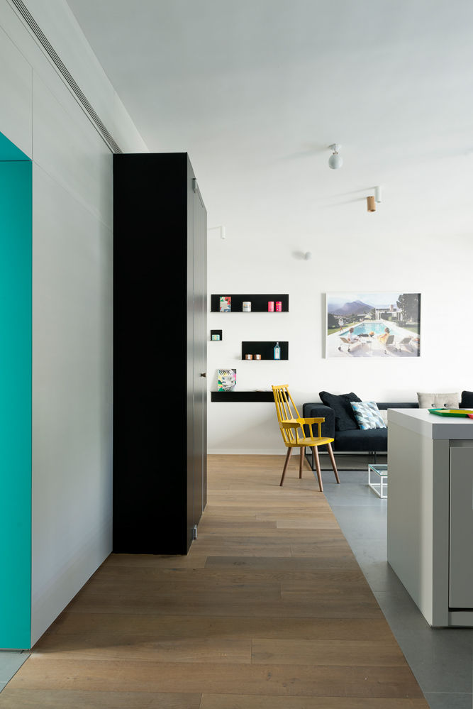 Tiny Tel Aviv Apartment Color play
