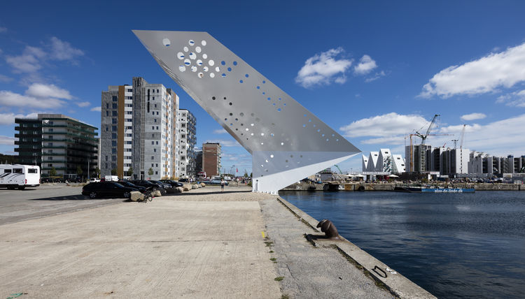Sculptural steel viewing tower in Arhaus' harbour.