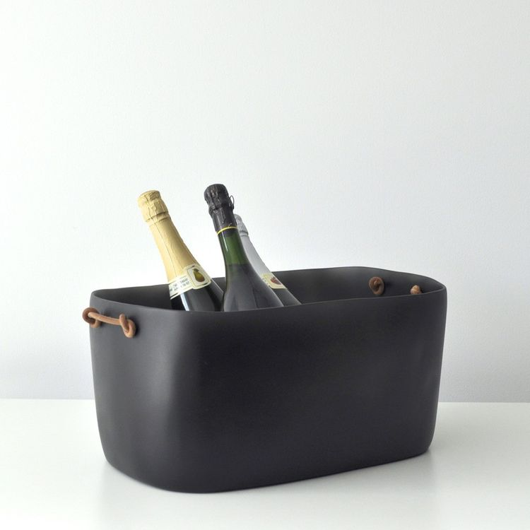 Resin champagne bucket with resin handles