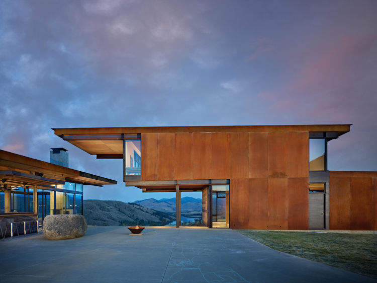 Studhorse ranch in Winthrop, Washington by Tom Kundig