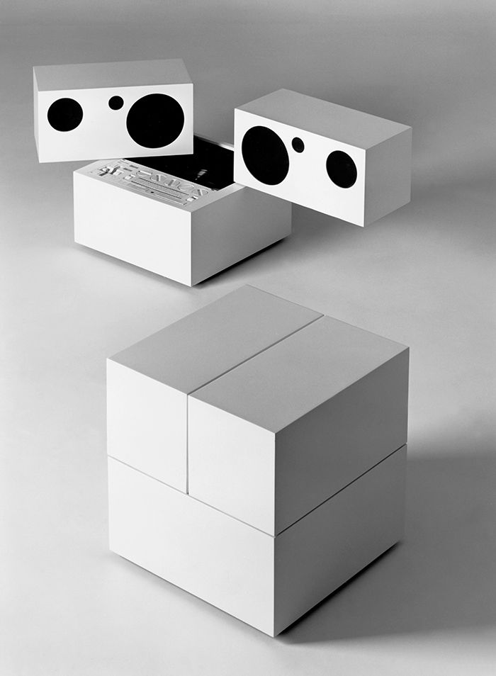 Totem stereo system by Mario Bellini for Brionvega