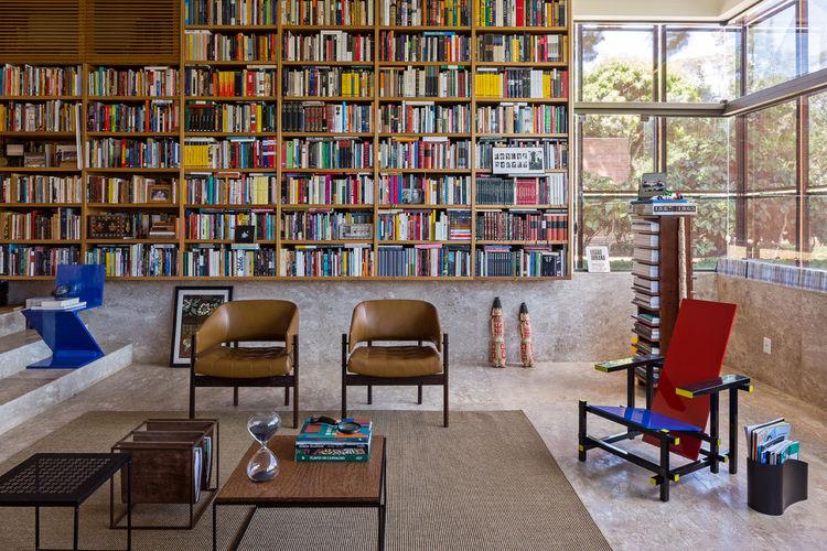 Villa BLM home library