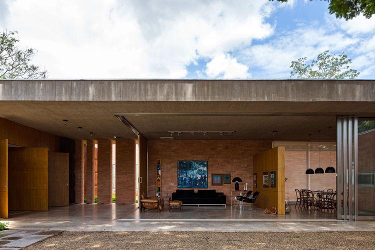 Villa BLM indoor-outdoor living room