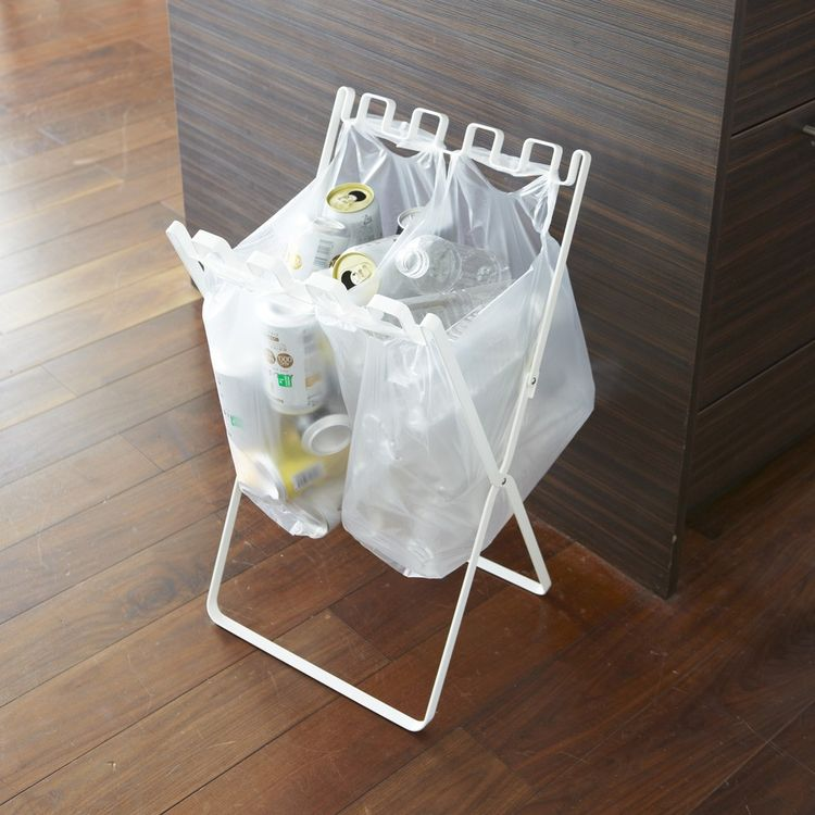 Metal recycling stand for small spaces