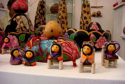 peru t show 2011 ornaments