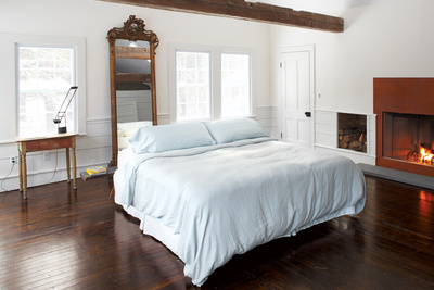 floating farmhouse master bedroom