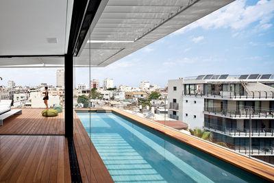 hai life pool side view