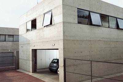 katz residence driveway garage