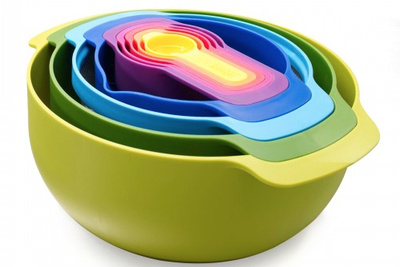 plastic nesting measuring cups