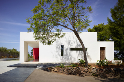 the white composite exterior of a vacation home in California