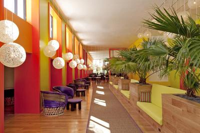 thesaguaro lobby  1