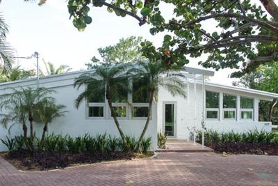 palm beach renovation all white exterior