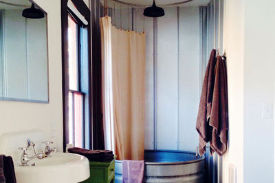 stickett inn galvanized bathtub bathroom