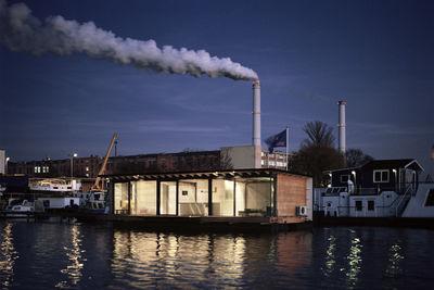 modern house boat