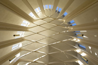 niall mclaughlin bishop edward king chapel oxford wood trusses