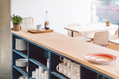 kin kao restaurant vancouver scott architects counter