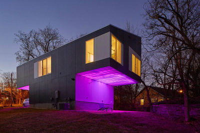 01 mood ring house exterior