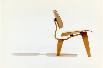 eames lounge chair profile