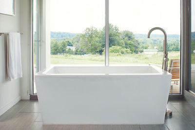 porch house bathtub