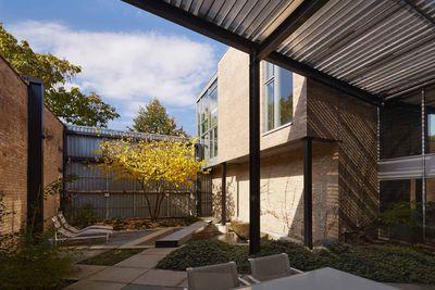 Doblin House addition courtyard
