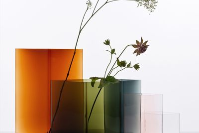 Diamond-shaped dyed glass vases