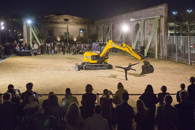 Beau Geste performance DzExceptional Transport: duet for a dancer and an excavatordz at SCAD Museum of Art, Savannah.