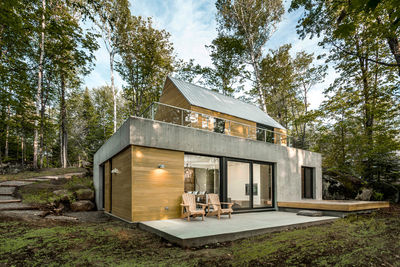 Spahaus cabin by YH2 outside Montreal