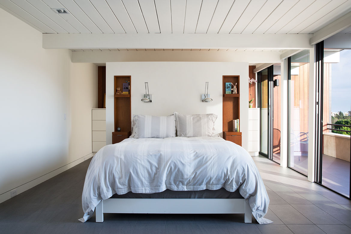 Master suiter in a sunny renovated Eichler