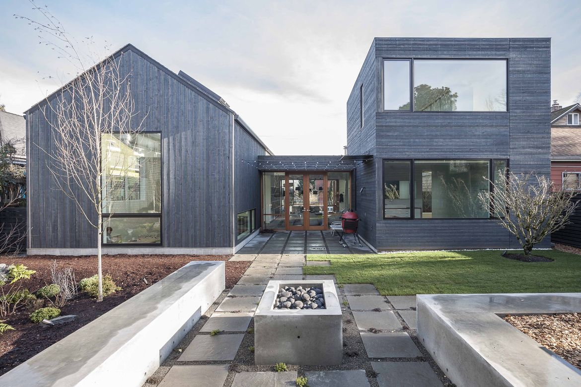 A Seattle home and courtyard